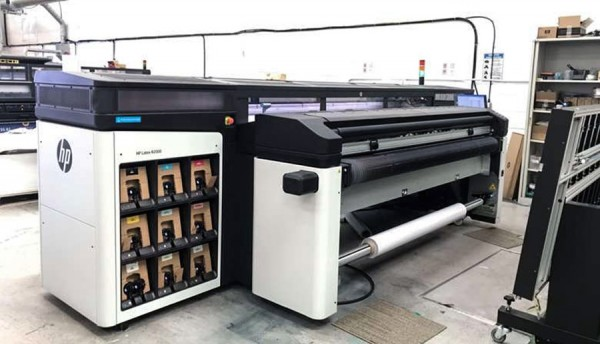 HP R2000+ installed by Papergraphics