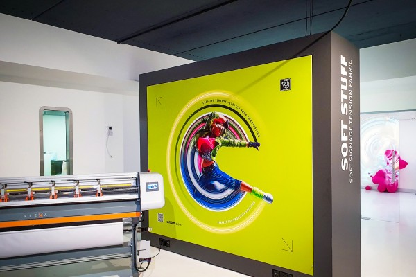 Papergraphics' Application Centre