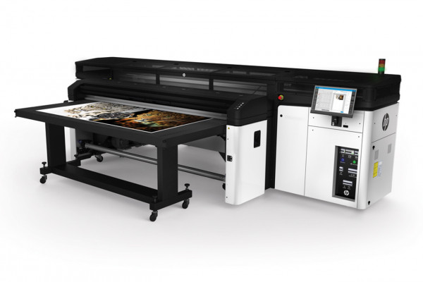 Book an HP Latex R Printer Series demo with Papergraphics: 0845 1300 772